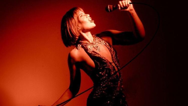 photo of Maria Rivas singing